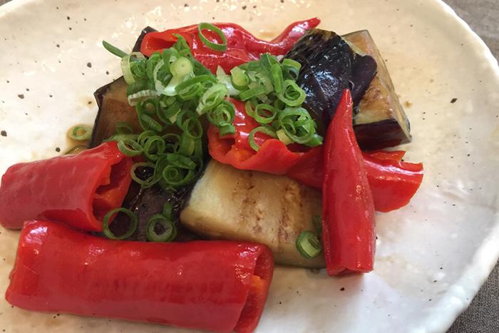 赤満願寺とうがらしとナスは相性が良い食材です
