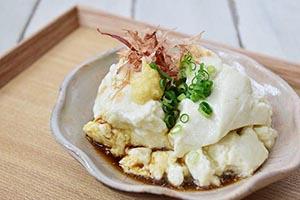 ふんわりとろーり大豆の優しい甘みがするおぼろ豆腐「あらいぶきっちんさんの豆腐・おぼろ」
